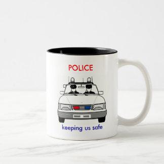 La policía asalta taza de café