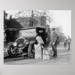 La policía captura a los contrabandistas Car, 1922 Poster