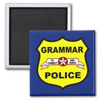 La policía de la gramática ajusta el imán