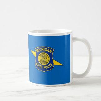 La policía del estado de Michigan asalta Tazas