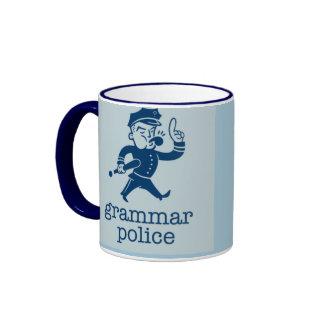 la policía divertida de la gramática diseña taza a dos colores