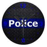 La policía enrarece el reloj de pared de Blue Line