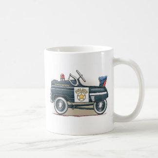 La policía Pedal taza del coche del poli del coche