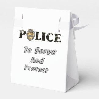 La policía protege y sirve cajas para detalles de boda