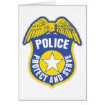 La policía protege y sirve la insignia felicitaciones