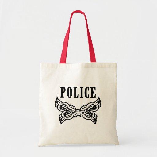 La policía tatúa