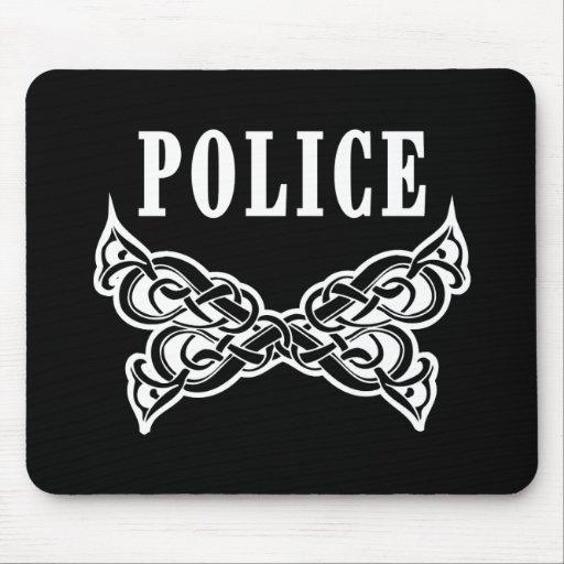 La policía tatúa alfombrilla de ratón