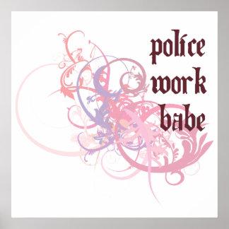 La policía trabaja al bebé poster