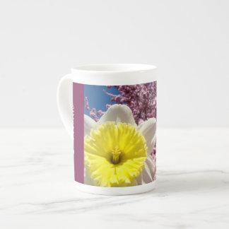 La porcelana de hueso de la primavera de la famili taza de china