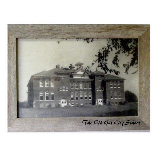 La postal de la escuela vieja