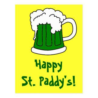 La postal de St Patrick verde de la cerveza