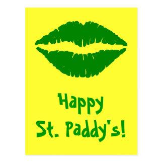 La postal de St Patrick verde del beso