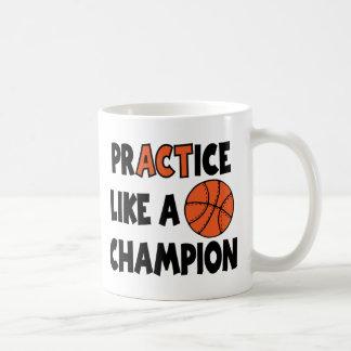 La práctica tiene gusto de un campeón, baloncesto taza de café