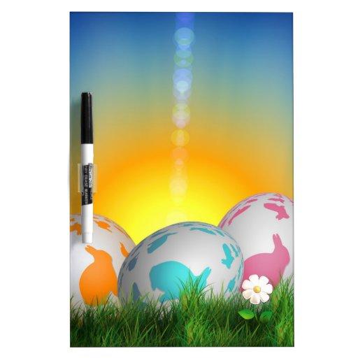 La primavera animal linda florece el conejito de p pizarras blancas