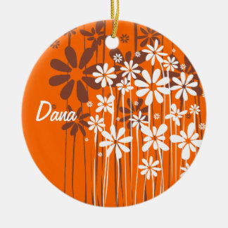 La primavera blanca florece el ornamento adorno navideño redondo de cerámica