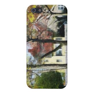 La primavera comienza en los suburbios iPhone 5 funda