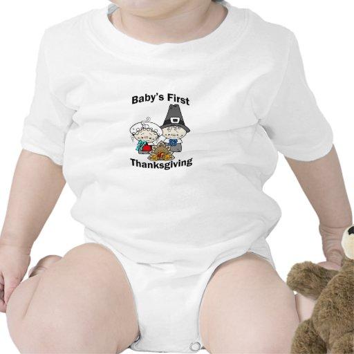 La primera acción de gracias del bebé con los pere traje de bebé