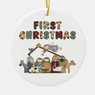 La primera escena de la natividad del navidad adorno redondo de cerámica