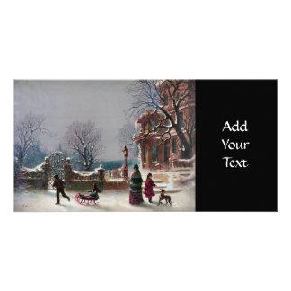 La primera escena del navidad de la nieve tarjeta fotografica personalizada