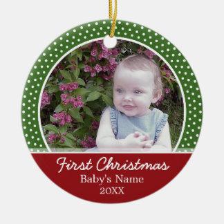 La primera foto del navidad del bebé - escoja echa ornamentos para reyes magos
