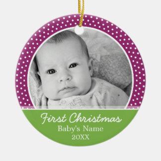 La primera foto del navidad del bebé - escoja echa ornamentos de reyes