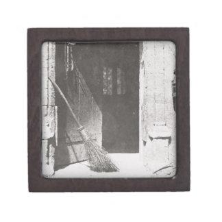 La puerta abierta, marzo de 1843 (foto de b/w) cajas de regalo de calidad