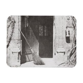 La puerta abierta, marzo de 1843 (foto de b/w) imanes flexibles