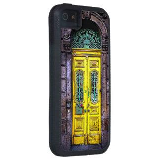 La puerta amarilla vieja iPhone 5 funda