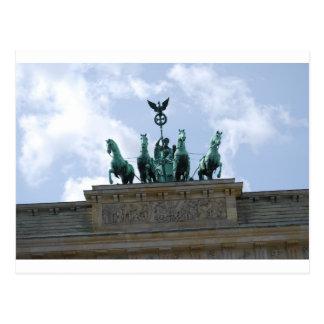 La puerta de Berlín en el centro de ciudad - Postal