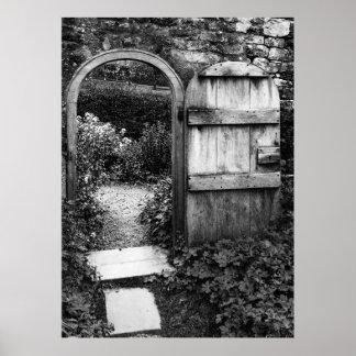 La puerta de jardín póster