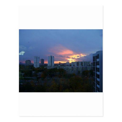 La puesta del sol de Toronto Postales