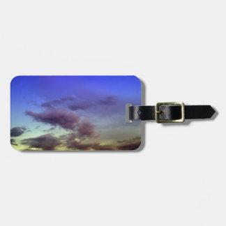La puesta del sol/el cielo y las nubes de la salid etiqueta para maleta
