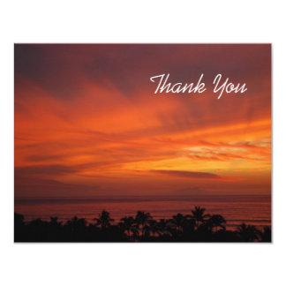 """La puesta del sol hawaiana ardiente le agradece invitación 4.25"""" x 5.5"""""""