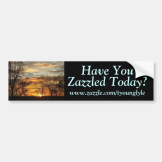 La puesta del sol le tiene, www.zazzle.com/tyoungl pegatina para auto