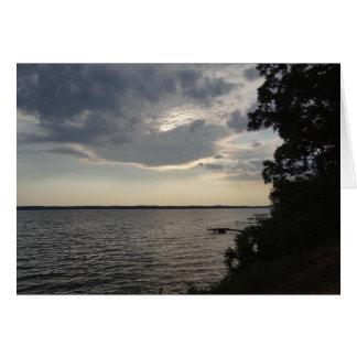 La puesta del sol se nubla el lago NY Cayuga Tarjeta Pequeña