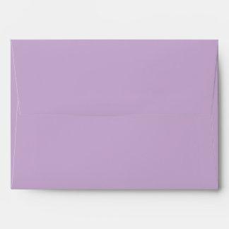 La púrpura 5 x 7 de la orquídea invita a sobres