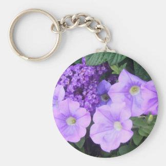 La púrpura bonita florece llaveros florales llavero redondo tipo chapa