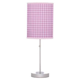 La púrpura comprueba la lámpara de mesa
