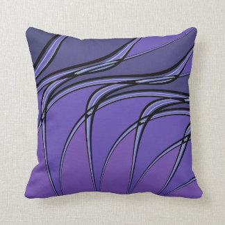 La púrpura con negro alinea la almohada de tiro