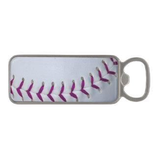 La púrpura cose béisbol/softball abrebotellas magnético
