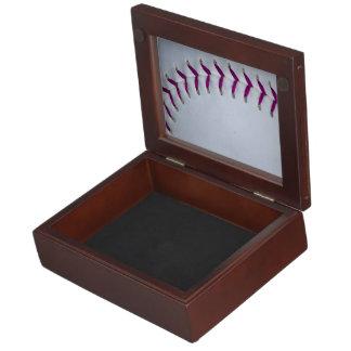 La púrpura cose béisbol/softball cajas de recuerdos