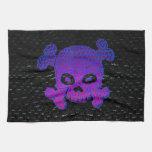 La púrpura de encargo de la bandera de pirata se d toallas