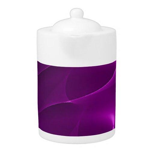 La púrpura eléctrica remolina tetera