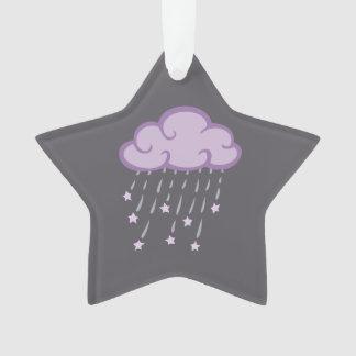La púrpura encrespa la nube de lluvia con las