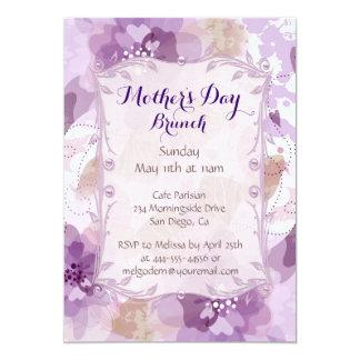 La púrpura florece el brunch del día de madre invitación 12,7 x 17,8 cm