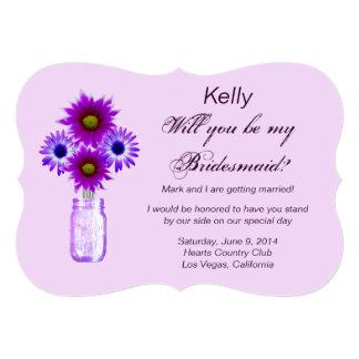 La púrpura florece la tarjeta de la dama de honor invitación personalizada