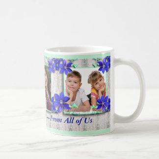 La púrpura florece la taza de la foto de la mamá