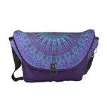 La púrpura inspira el caleidoscopio de la mandala bolsa de mensajería