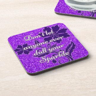 La púrpura no deja cualquier persona entorpece sus posavasos de bebidas