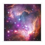 La púrpura protagoniza astronomía de espacio de la lienzo envuelto para galerias